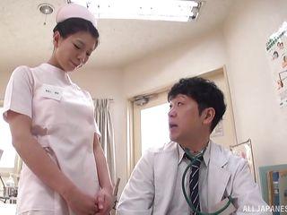Порно мама у доктора